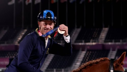 JO Équitation. À 62 ans et pour ses 8es JO, le vétéran Andrew Hoy s'offre deux médailles de plus
