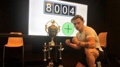 REPORTAGE. « Il m'a charrié pendant un an » : avec 8 000 abdos, Nicolas a fait plier Roger