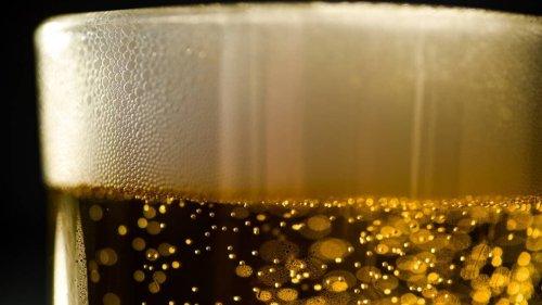 Belgique. Un camion déverse des dizaines de casiers de bière sur une autoroute
