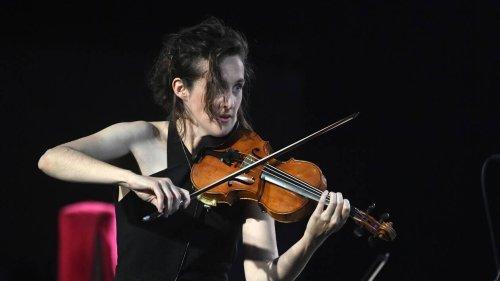 En concert à Rennes et Saint-Malo, Fiona Monbet alternera « entre cheffe d'orchestre et violoniste »