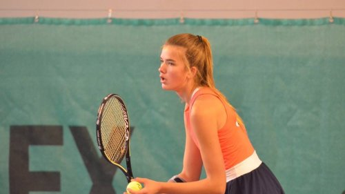 Tennis. Carla Galmiche et Charlie Camus vainqueurs faciles aux Ponts-de-Cé