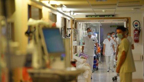 DIRECT. Covid-19 : La pression augmente à l'hôpital, tensions autour du passe sanitaire