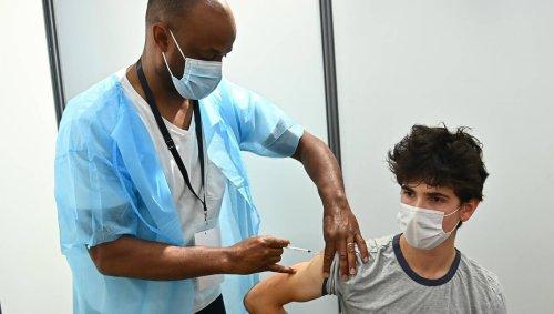 Vaccin contre le Covid-19. Comment savoir si je dois faire une dose ou deux doses ?