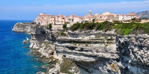 Corse : 10 lieux incontournables à visiter pour un séjour magique