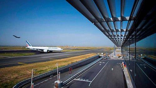 Charles-de-Gaulle. Une collision entre deux avions évitée de justesse après le lapsus d'une contrôleuse