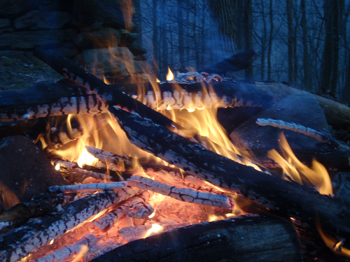 10 Foolproof Tricks For Wet-Weather Fire Starting