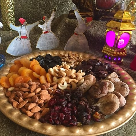 Here's How One Can Maintain A Workout Routine And A Balanced Diet During Ramadan | Outlook Poshan