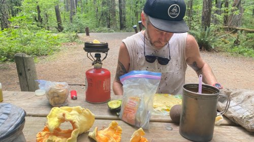 The Vargo Bot Is the Only Backpacking Cookpot You Need