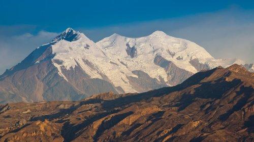Death on a Medium-High Mountain