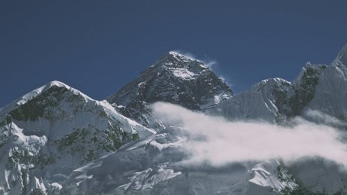 Get Ready for Another Wild Year on Everest