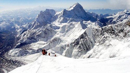 Kami Rita Sherpa Just Broke His Own Everest Record—Again