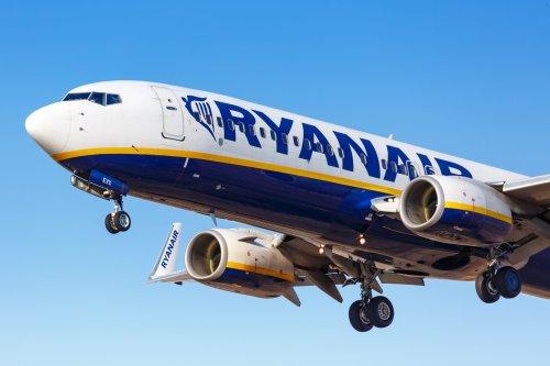 Drunken Ryanair Passenger Launches Vile Rant at Cabin Crew, Bites Police Officer