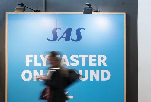 Scandinavian Airlines Begin Rolling Back Face Mask Rules