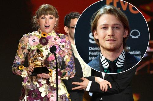 Taylor Swift thanks boyfriend Joe Alwyn in Grammys 2021 acceptance speech