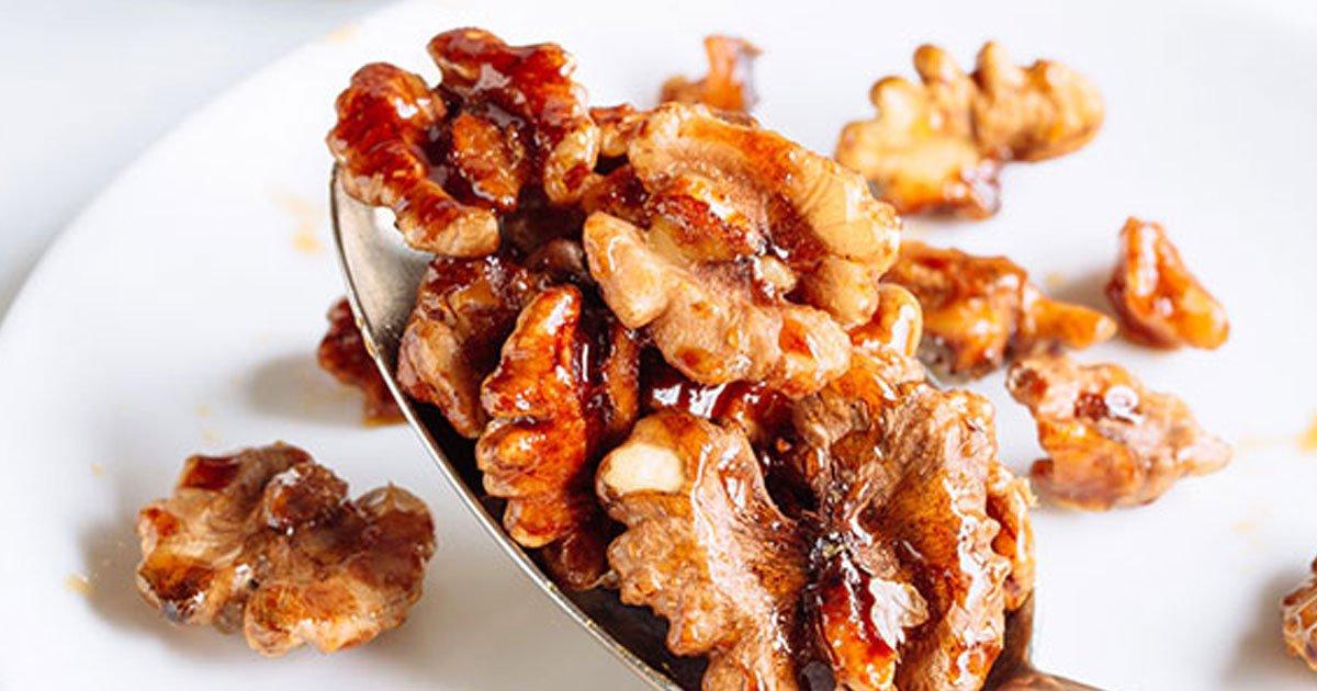 Cinnamon and Honey Roasted Walnuts