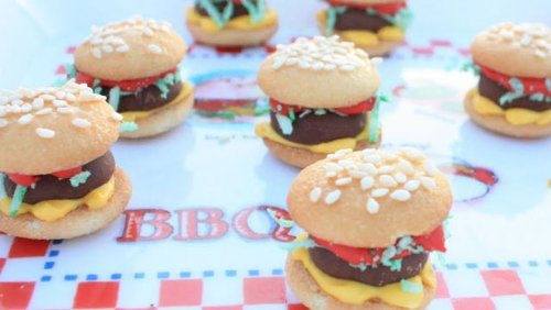 Try a Sweet Prank This Year with Mini Hamburger Cookies Made from Vanilla Wafers