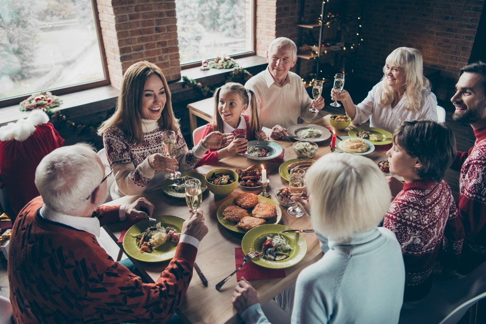 How Each Myers-Briggs Personality Type Acts During the Holidays (And How to Figure Out Which One You Are)