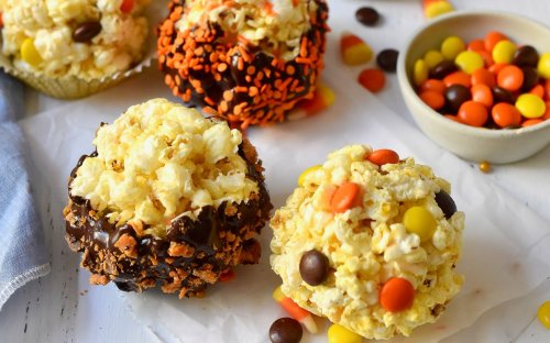 Festive Popcorn Balls Are a Retro Halloween Treat for All Ages