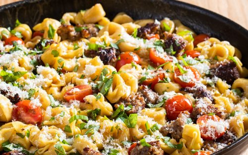 Skillet Tortellini With Sausage and Tomatoes Has Everything We Want In a Pasta Dish