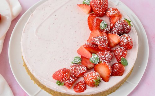 This Stunning Strawberry Cream Cheese Tart Is a No-Bake Summer Dream
