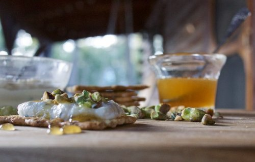 Cooking the Episode: Honey, Ricotta and Pistachio Crostini From Bobby and Giada in Italy