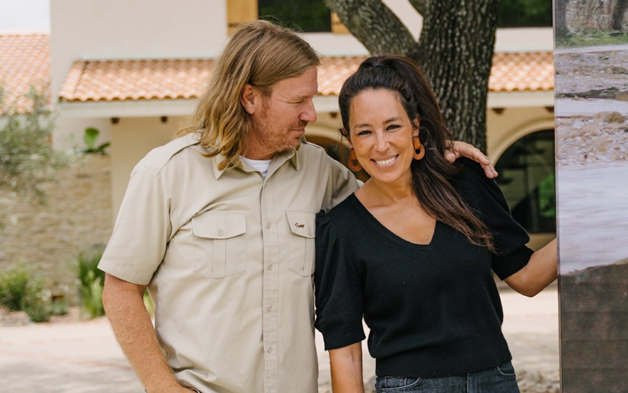 Chip and Joanna Gaines on How Their Kids—and Doing Laundry!—Keep Them Grounded