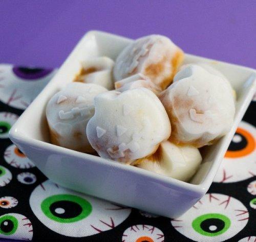 Halloween (Jack-O-Lantern ) Pumpkin Yogurt Bites Are a Sneaky Healthy Treat We Can Get Behind