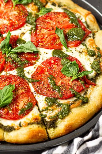 21 Flavor-Bomb Pesto Pizzas to Eat On Repeat This Spring