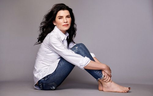 Julianna Margulies on the Privilege of Aging and Finding Her Truest Self in New Memoir