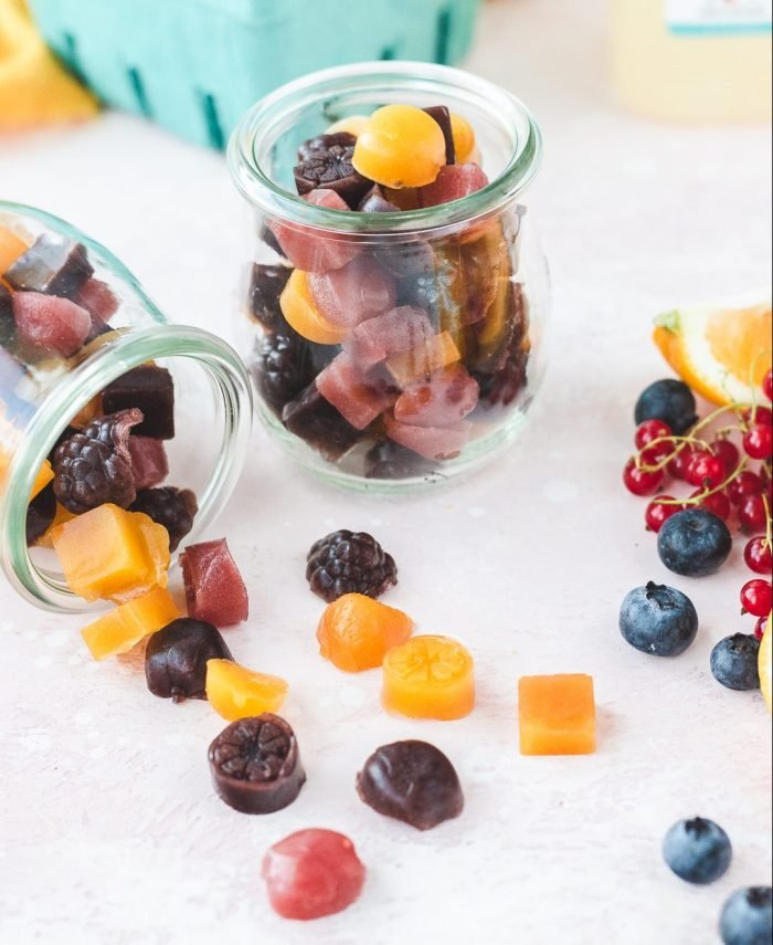How to Make Your Own Fruit Snacks at Home, Minus the Artificial Ingredients