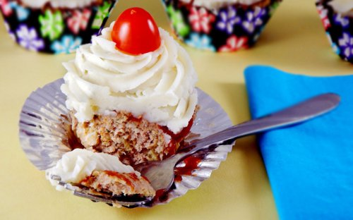 Dessert for Dinner? See What's Inside These April Fools' Day Cupcakes