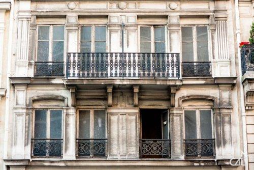 Ces faux immeubles parisiens