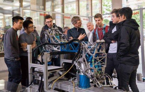 Escola de verão do ETH Zurich oferece bolsas para curso de robótica a estudantes de todo mundo
