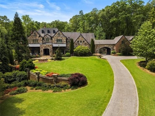 $4.5M Roswell Mansion Has Saltwater Pool, Waterfalls, Pool House