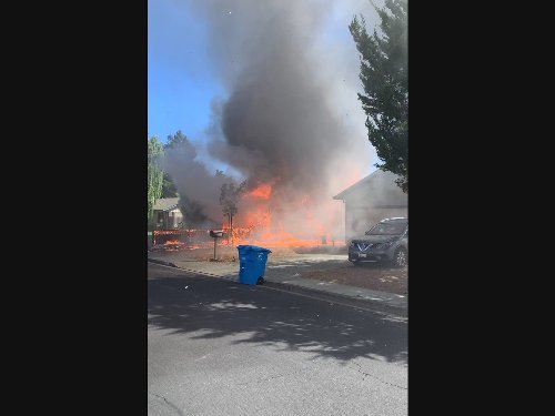 Firefighter Hurt, 2 Homes Damaged In Rohnert Park Structure Fire
