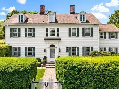Wow! House: Westport Home Features English Garden