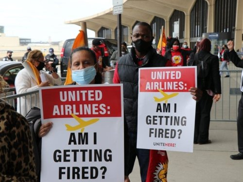 27 Congress Members Tell United Airlines: 'Don't Cut 2,500 Jobs'