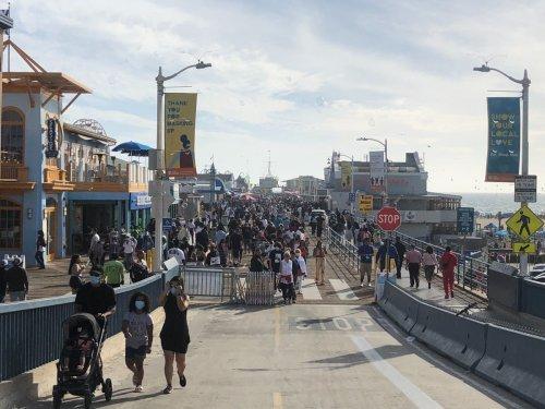 Vendor Fight Breaks Out At Santa Monica Pier