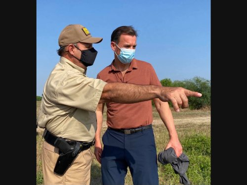 Suozzi, Problem Solvers Talk About Border Issues On Texas Visit