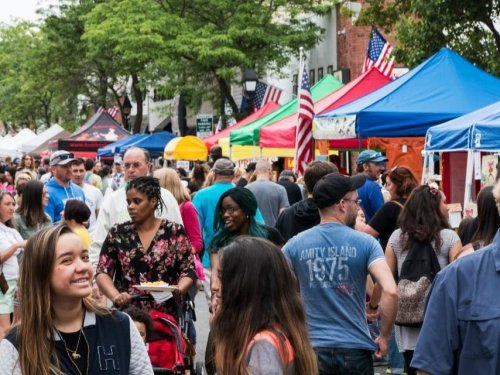 LIC Festival Brings A Week Of Events, Deals To The Neighborhood