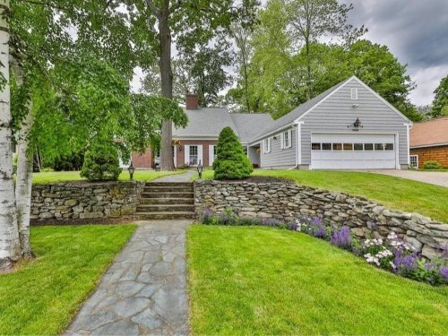 42 Wood St. In Nashua, New Hampshire: Wow!