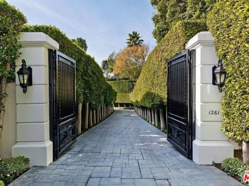 Look Inside The Latest 5 Houses Foreclosed In The Beverly Hills Area