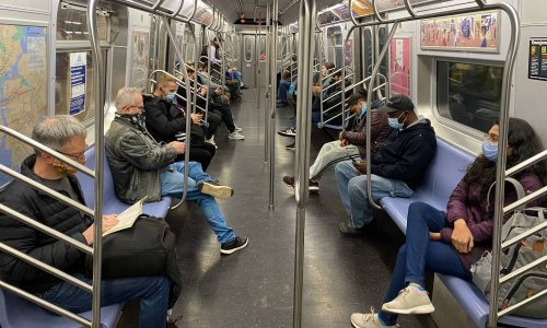 Man stabbed with ice pick by thug shouting homophobic slurs on New York subway train