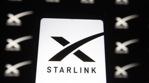 SpaceX Wants Starlink to Power In-Flight Wi-Fi
