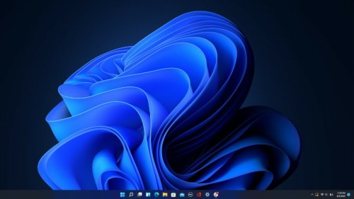 Windows 11's Taskbar Puts App Icons Front and Center: Here's How to Customize It
