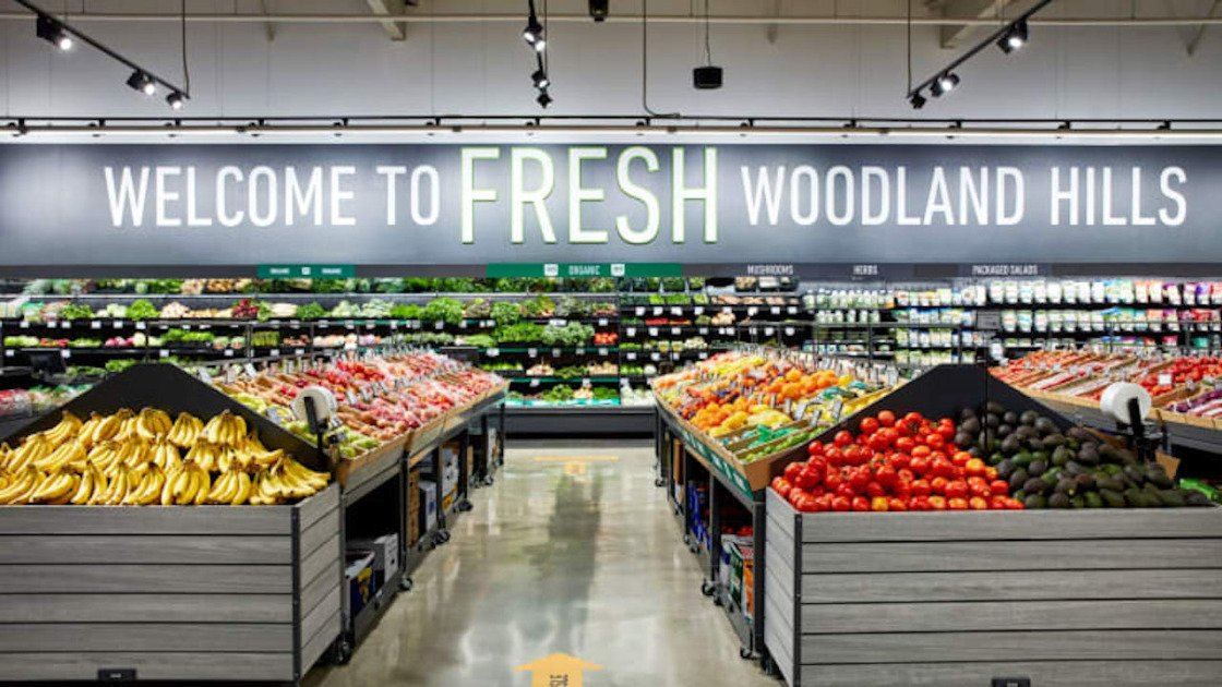 Amazon Opens a Traditional Grocery Store Called Amazon Fresh in California