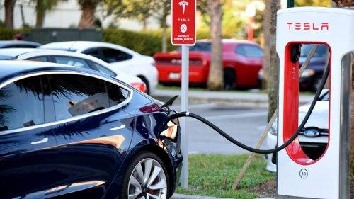 Tesla Reportedly Agrees to $1.5 Million Settlement for Battery Throttling Case