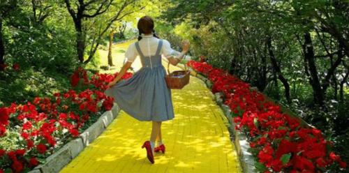 There's a yellow brick road ahead for Apple, says Wedbush's Daniel Ives | Philip Elmer‑DeWitt