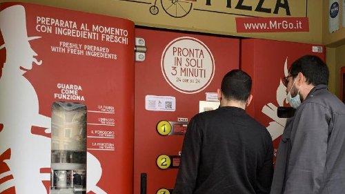 Pizza-Automat spaltet kulinarische Meinung in Rom