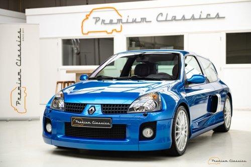 A la venta este Renault Clio V6 Fase 2 de 2003 con solo 8.000 km